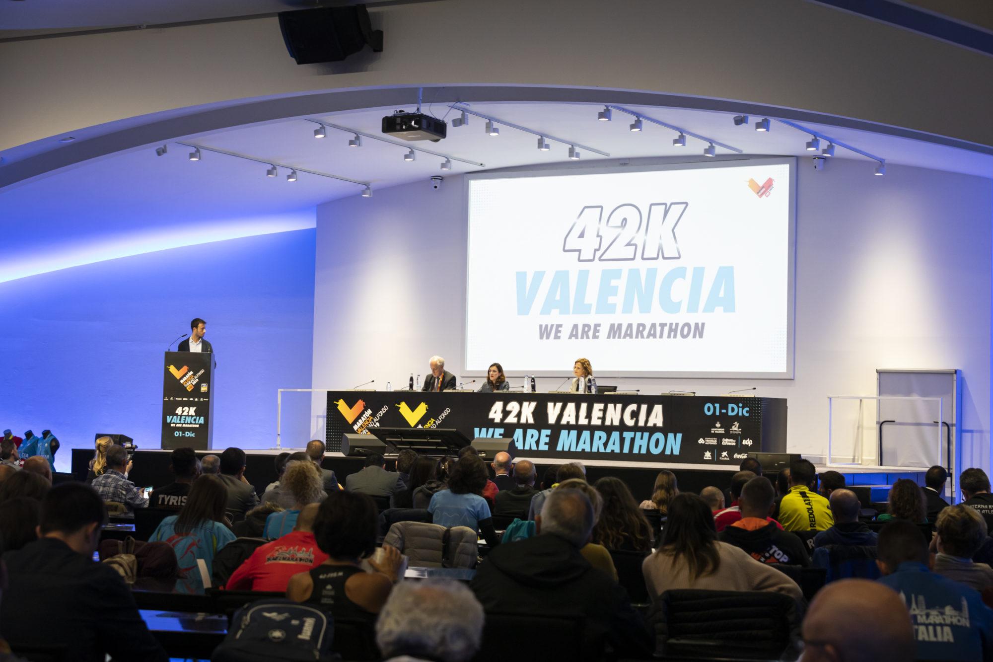 Acto Presentación Maratón Valencia Trinidad Alfonso EDP